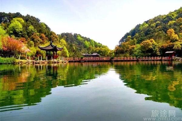 东明湖公园